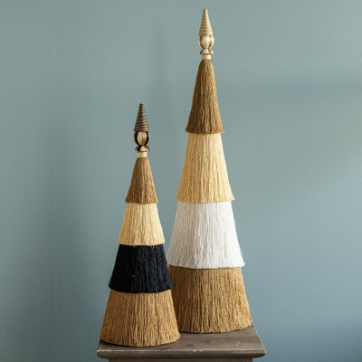 <p>Christmas tree in 4-layer fringed fabric.<br>white / gold h = 85 cm. <br>A timeless detail: the fringes, always trendy and refined.</p> - Floralia