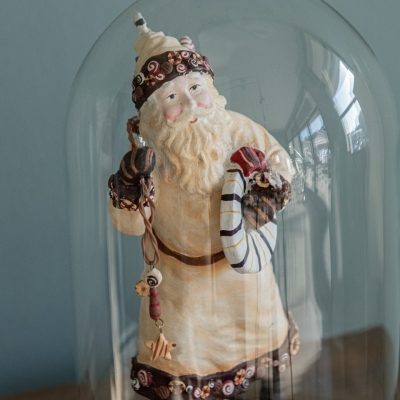 <p>Polyresin Santa Claus in glass case. <br>The only one authorized to travel to each home without self-certification<br></p> - Floralia