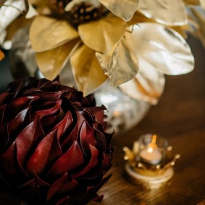 <p>Royal golden candle holder with tealights, 6 pieces<br>H=8 cm<br>D=10 cm</p> - Floralia