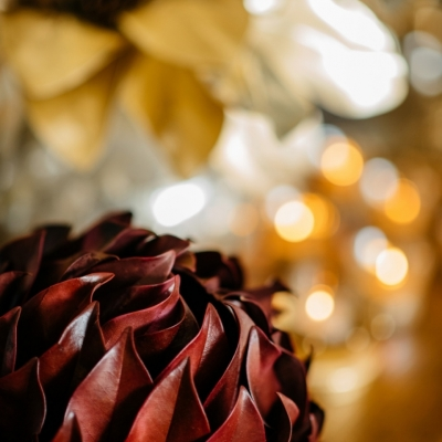 <p>Stabilized burgundy leaves, eternal<br></p> - Floralia