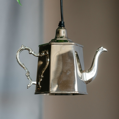 <p>Luminous decorative silver teapot, lamp not included. <br> Do you remember Mary Poppin's and the tea on the ceiling? These luminous teapots seem to be made on purpose!</p> - Floralia